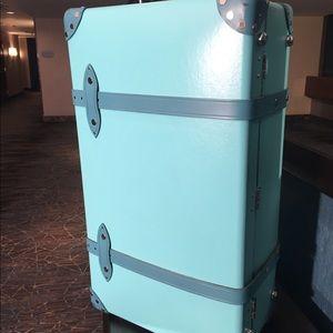 Globe Trotter Tiffany Limited Edition Case
